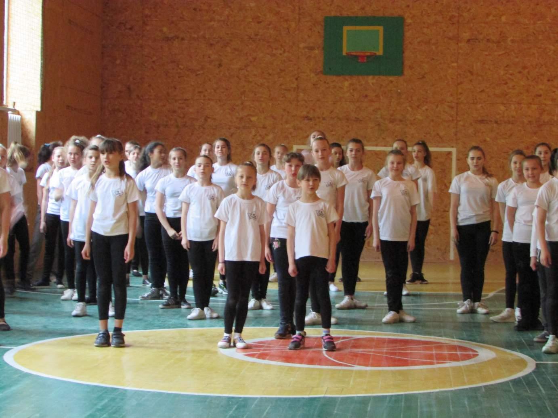 Танцювальні флешмоби у Кримках та Скотареве